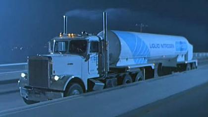 Freightliner FLC 120 64