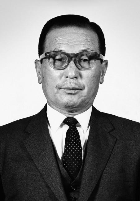 Ку Ин Хой (Koo In-Hwoi)