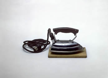 Электрический утюг, 1927 год