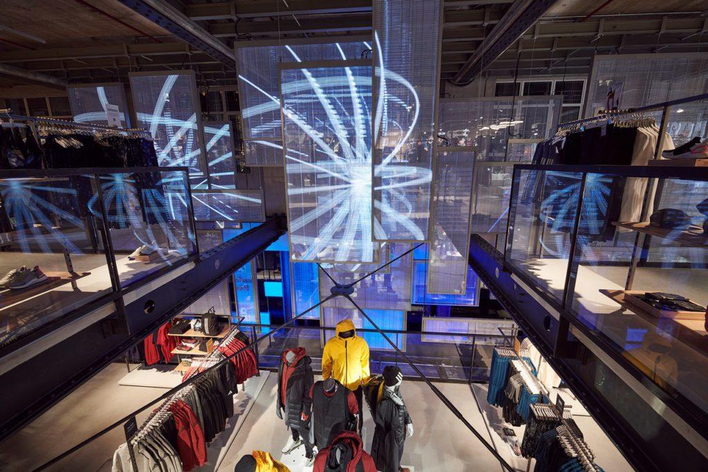 adidas открыл «магазин будущего» в Лондоне