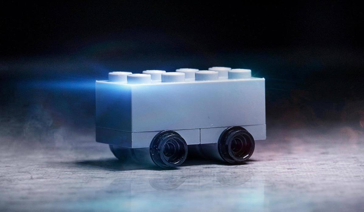 Lego представила «конкурента» Tesla Cybertruck