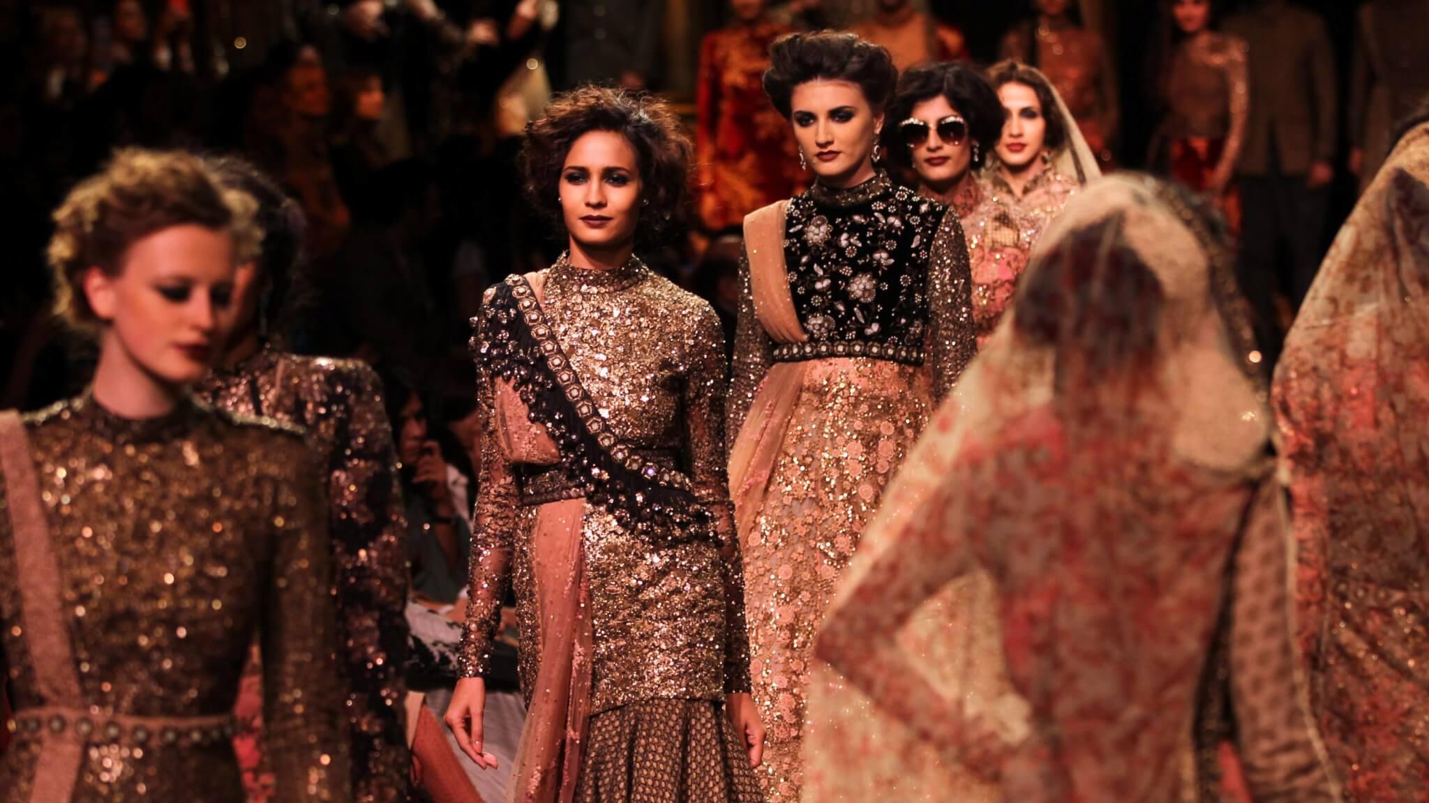 H&M объединяет усилия с болливудским дизайнером