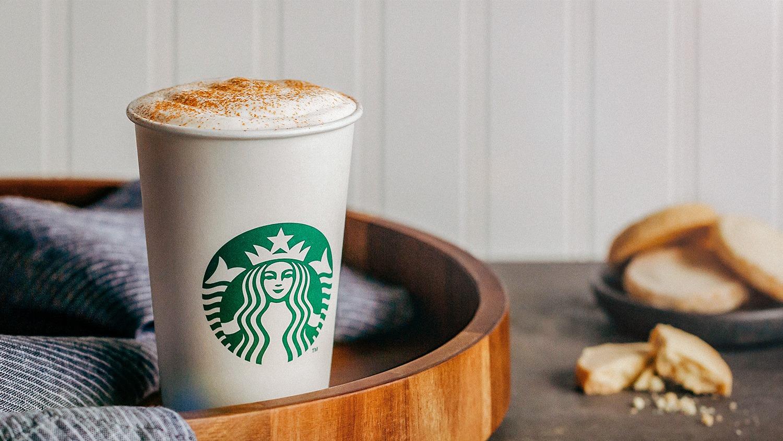 Starbucks отказывается от многоразовых чашек из-за коронавируса