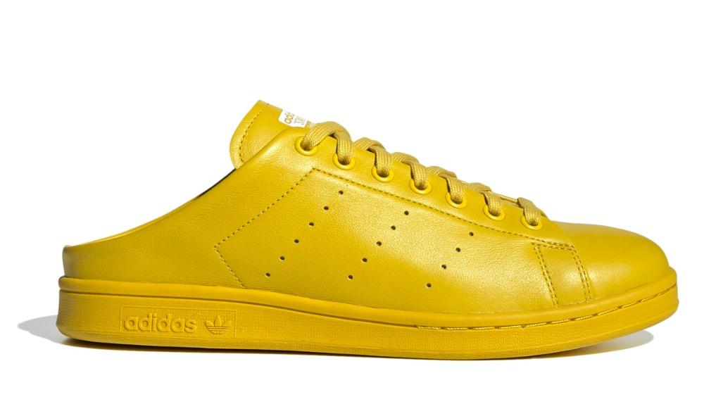 Adidas превратила классические кроссовки в тапочки